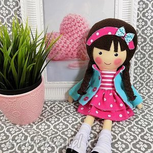 Prezent MALOWANA LALA MELANIA W CZEKOLADOWYCH WŁOSACH, lalka, zabawka, przytulanka