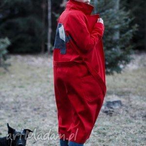 oryginalny prezent, monika jaworska czerwony słoń, wiosenny, czerwony, trench