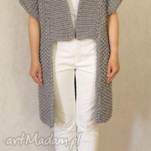 Szary sweter, kardigan, dziergany
