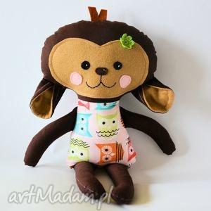 małpka aldona, małpka, dziewczynka, sowa, maskotka, przytulanka, zabawka