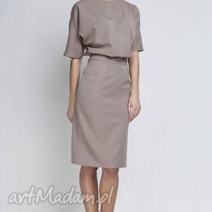 sukienka, suk123 beż, ołówkowa, wyszczaplująca, elegancka, matura
