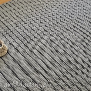 Szare paski, dywan, chodnik, minimalizm, prosty