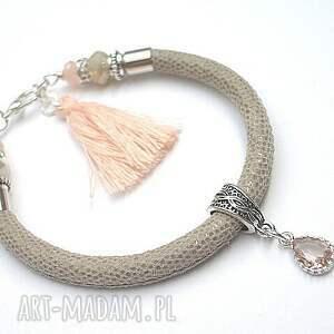 strap beige-nude - 28-03 17 , skóra, rzemień, kryształki, chwost biżuteria