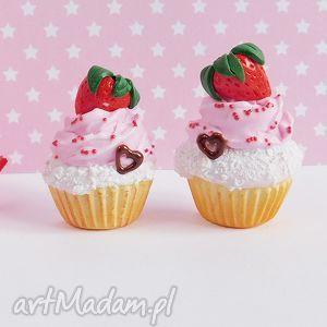 vivi4n babeczki truskawkowe - magnes na lodówkę, fimo, zabawne, prezent, modelina