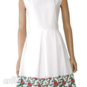 Biała sukienka z kontrafałdami tradycyjny wzór góralski, sukienka, folk, folkowa