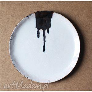 Talerz artystyczny z zaciekiem, ceramika, talerz