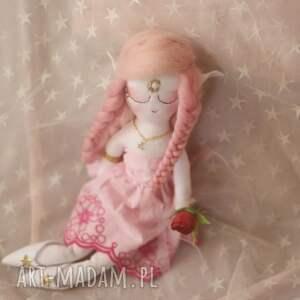 sukienki zabawki bajka z magiczną szafą - elfia