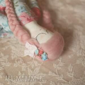 różowe zabawki wiosenna bajka - lalka bella